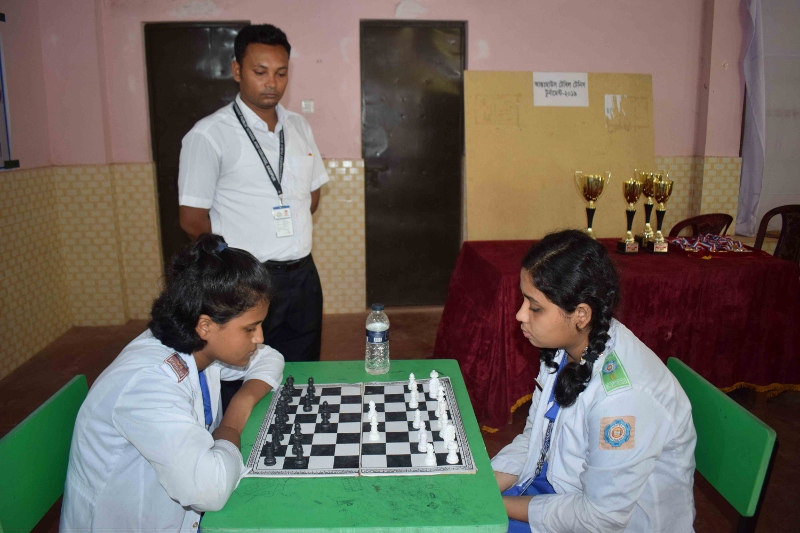 Inter-House Chess (Female) (800x533)